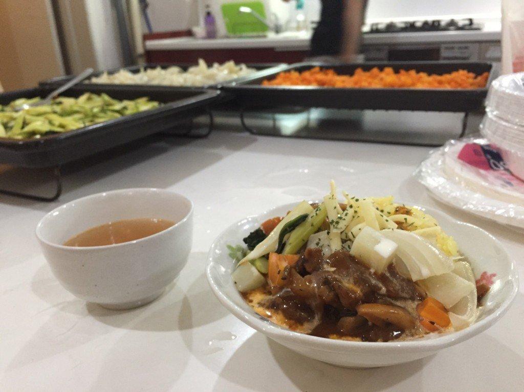 綺麗なキッチン。ハヤシライス