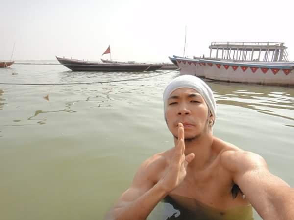 3.ガンジス川で沐浴
