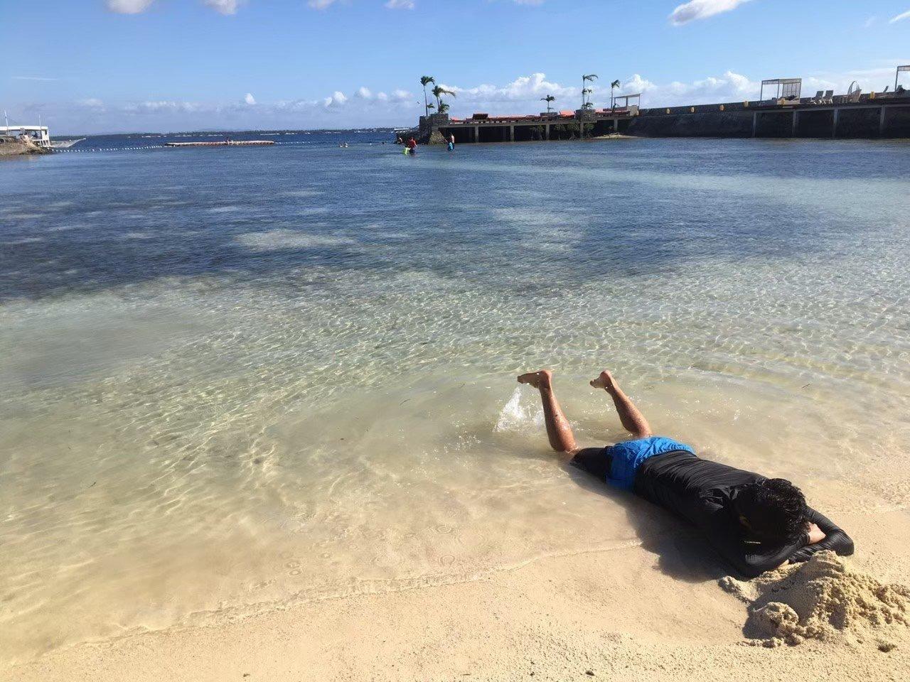 フィリピン留学中週1ビーチでのんびり