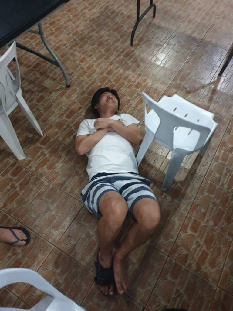 フィリピンでのみつぶれて介護される5秒前