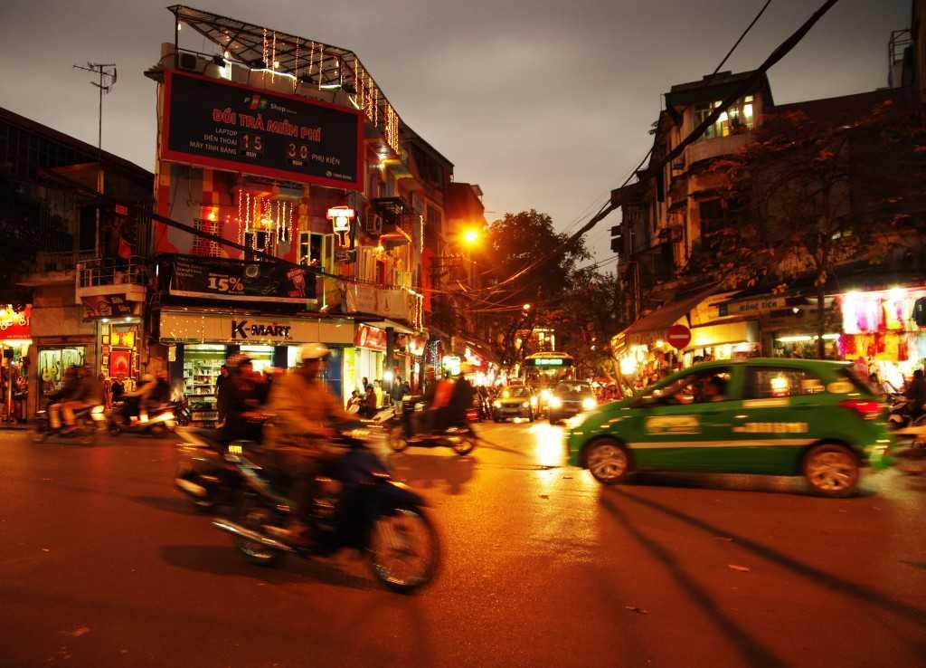 ハノイ夜の街