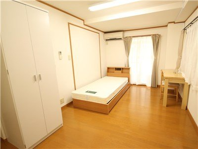 guesthouse sharehouse PREMIERE MINATOMIRAI room203