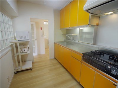 Cheerful accent color in the kitchen.