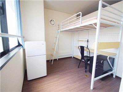 Each room has a loftbed、 a desk、 a chair、 a fridge and a security locker.