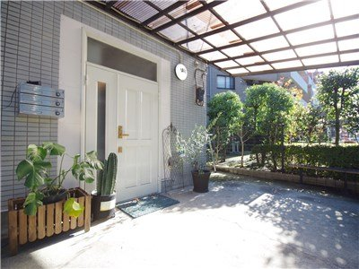 guesthouse sharehouse FLORA用賀 building1